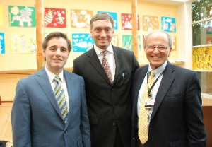 FCC Chairman Genachowski (l) with Children's Hospital President & CEO Dr. Bert Lubin (c) and Alex Briscoe, Dir. Alameda County Health Care Services Agency